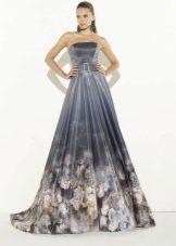 Вечернее  платье с принтом