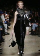 Осеннее платье  черное прямое