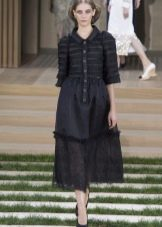 Осеннее платье с рукавом от Шанель