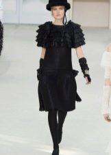Осеннее платье с коротким рукавом от Шанель