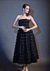 Платье без бретелей черное пышное