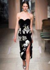 Платье без бретелей вечернее с цветами