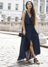 Длинное платье-халат на бретелях