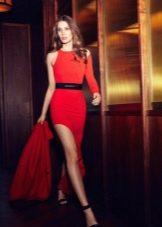 Платье из джерси красное с разрезом