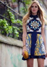 Платье из платков короткое с воротником