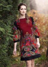 Платье из павлопосадских платков красное с принтом