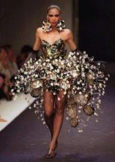 Платье из подручных материалов пышное