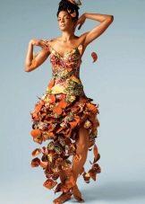 Платье из бумаги асимметричное