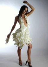 Платье из перчаток