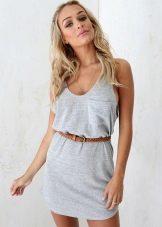 Короткое платье-майка с ремнем