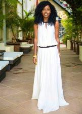Длинное платье с заниженной талией для невысоких женщин
