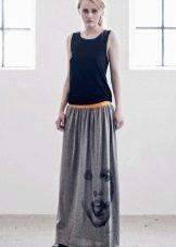 Длинное двухцветное платье с заниженной талией