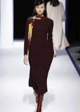Шерстяное платье миди с рукавами