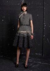 Шерстяное платье А-силуэта с кружевом