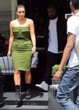 Платье в стиле милитари для женщин с фигурой типа Груша