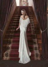 Платье с открытой спиной и приспущенными рукавами