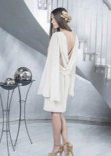 Платье с открытой спиной с широким рукавом