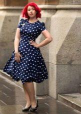 Пышное платье в стиле 60-х