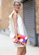 Белое платье стиляги в стиле 60-х
