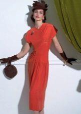 Платье в стиле 40-х футляр