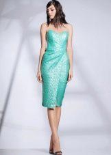 Приталенное платье короткое открытое