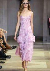 Приталенное  платье летнее многоярусное