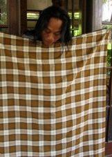 Саронг в Бирме- способ завязывания из сшитого полотна