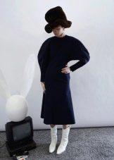 Зимнее платье с рукавом летучая мышь