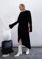 Зимнее платье с зазрезами на рукавах