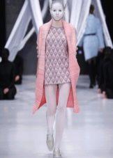 Зимнее платье-свитер короткое