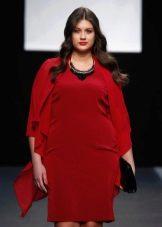 Зимнее платье для полных красное