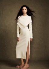 Зимнее платье с разрезом