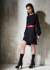 Красный к черному платью