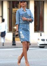 молодежная джинсовая юбка-карандаш