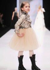 Пышное бальное платье короткое с сапогами детское