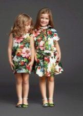 Платья с принтом для девочки 4 лет