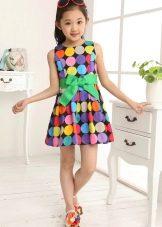 Летнее платье для девочки с геометрическим принтом