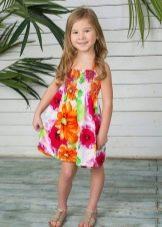 Летнее платье для девочки яркое