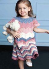 Летнее вязаное платье для девочек 5 лет