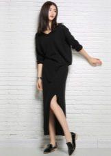 Длинное модное платье-джемпер 2016 года с разрезом