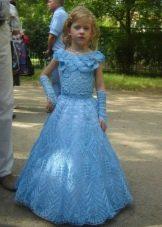 Нарядное платье для девочки вязаное длинное