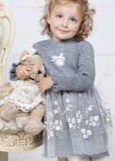 Нарядное платье для девочки вязаное спицами