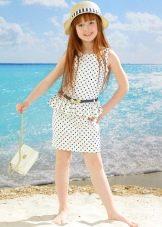 Нарядное прямое платье в горошек для девочки