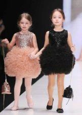 Нарядное пышное короткое платье для девочки