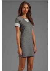 серое мини-платье из футера