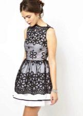 черно-белое платье из органзы