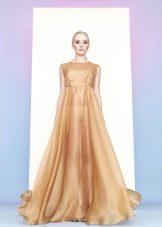 золотистое платье из органзы