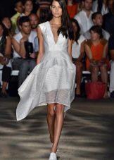 белое платье из органзы в полоску