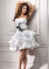 короткое платье из органзы с воланами