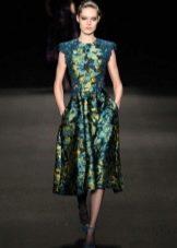 вечернее платье из цветной парчи